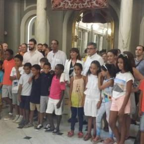 """Veinte niños saharauis del Programa """"Vacaciones en Paz"""", visitan el Ayuntamiento de Valencia"""